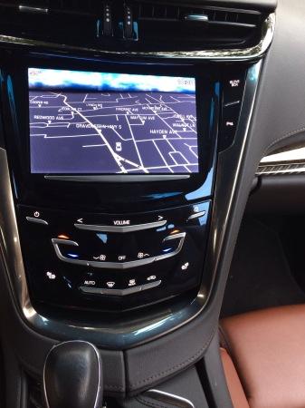 Cadillac ELR navscreen