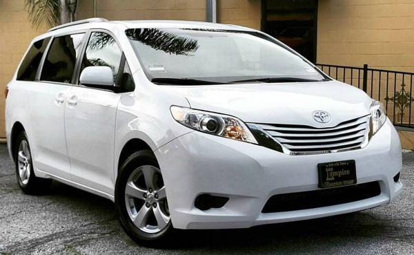 Why A 2017 Toyota Sienna Might Be The Right Car For You A Girls