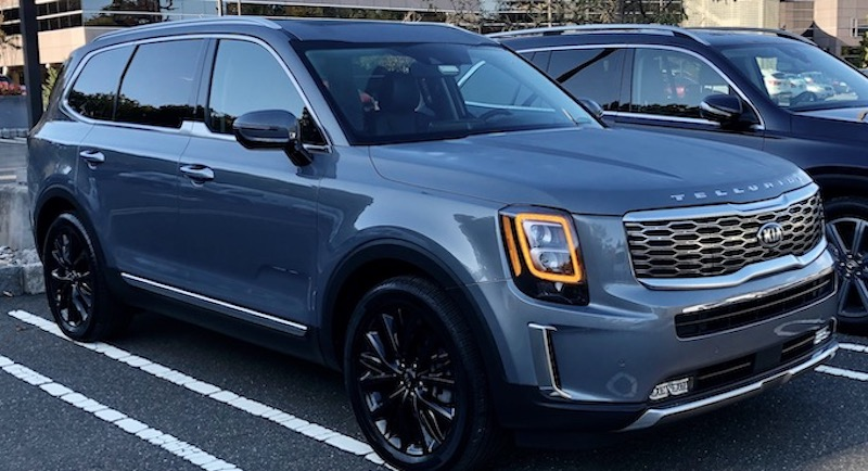 A 3-row Kia Telluride in a parking lot
